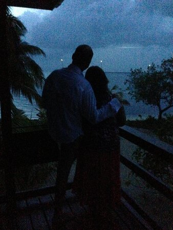 Pelican Beach - South Water Caye : Another beautiful night!