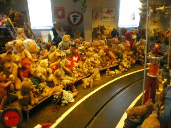 Spielzeug Welten Museum Basel: orsetti