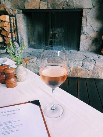 The Lakehouse Restaurant at Calistoga Ranch: Summer rosé