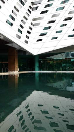 LiT BANGKOK Hotel: Lovely pool