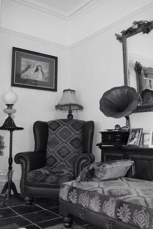 Olivia House: OH Main Room beautiful