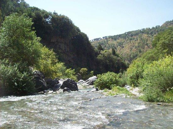 Gole Alcantara Terralcantara: rapide a valle