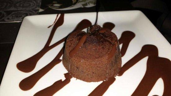 Zenzero Blu: Dolce con cioccolato caldo all'interno