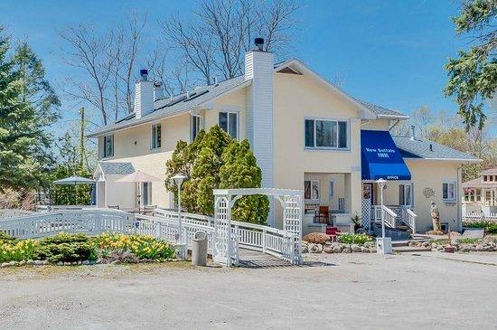 New Buffalo Inn & Spa: Exterior View