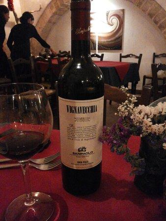 Taverna Al Cantinone: Ottimo Vino Rosso