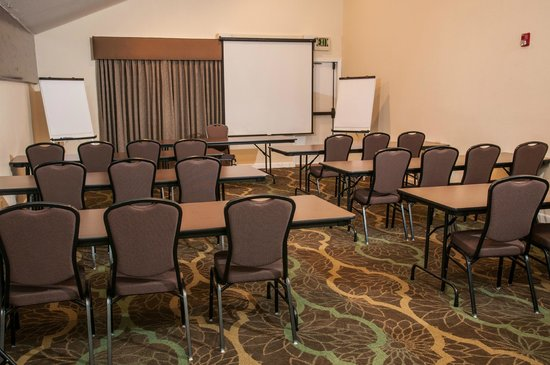 BEST WESTERN PLUS Eagle Lodge & Suites: Meeting Room