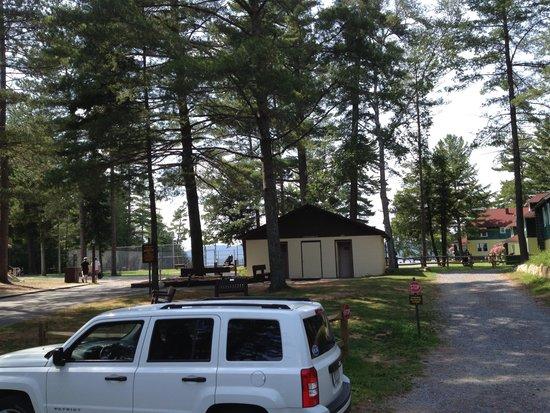 Arrowhead Park: View toward lake