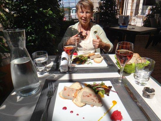 Roanne, France: Menu du Jour al fresco