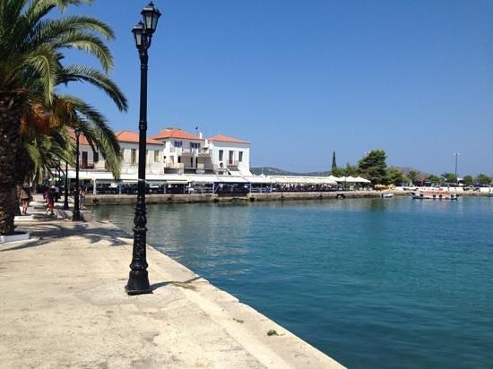 Karalis City Hotel: little stroll down to the marina