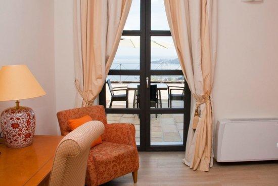 Miramare Apartments&Suites