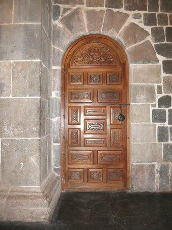 Convento de Santo Domingo: door