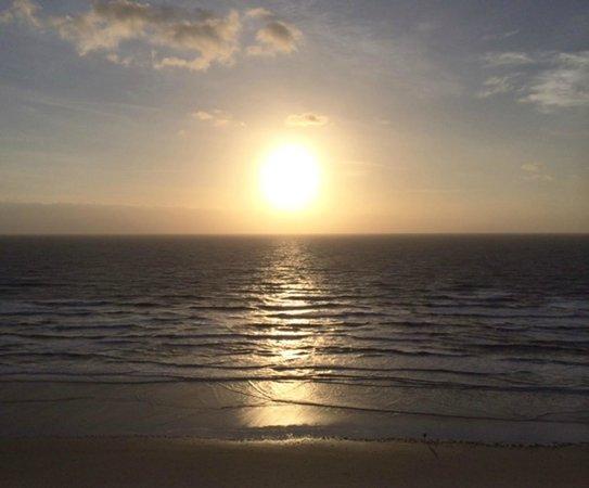 Hilton Daytona Beach Oceanfront Resort : sun