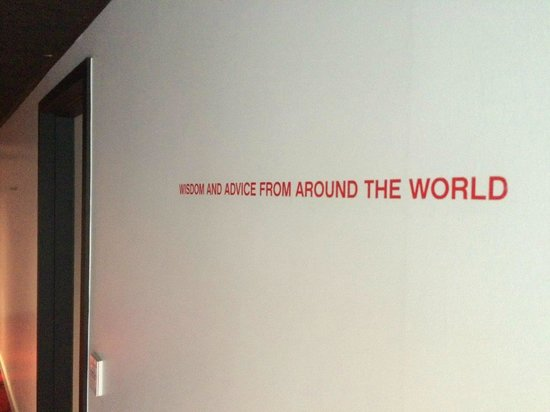 citizenM London Bankside: Quotes on walls to shake you up