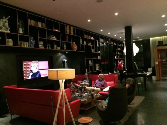 citizenM London Bankside: The Lobby