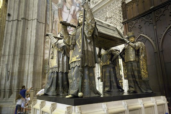 Catedral de Sevilla: Christopher Columbus' sarcophagus