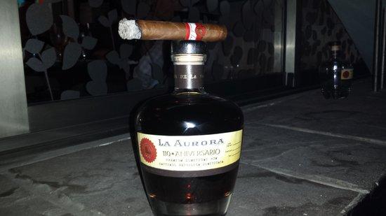 La Aurora Cigar Factory: Ron La Aurora y Cigarro