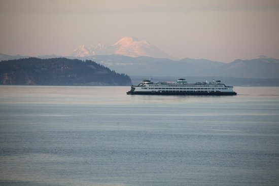Rory's of Edmonds: A great view is a block away!
