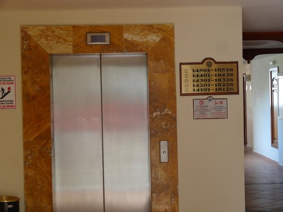 Grand Bahia Principe Jamaica : Elevator