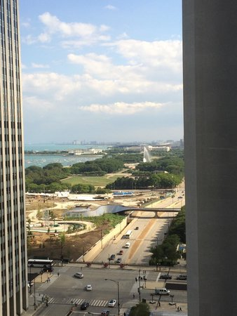 Fairmont Chicago Millennium Park: View from room 1704