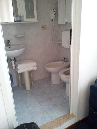 Hotel Savoia: bagno