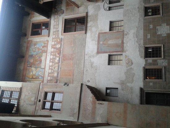 Castello del Buonconsiglio Monumenti e Collezioni Provinciali : cortile interno