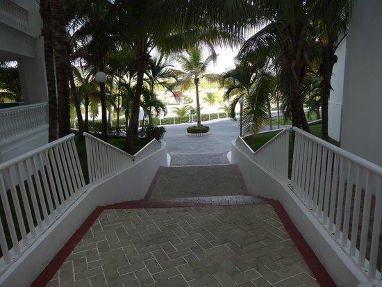 Grand Bahia Principe Jamaica: Steps at building