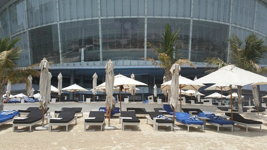 Jumeirah at Etihad Towers: Foto dalla spiaggia