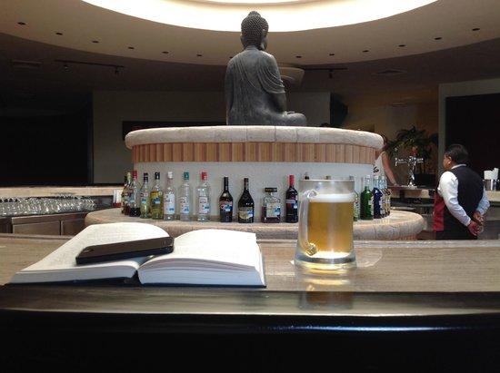 Grand Park Royal Cancun Caribe: Relaxing bar