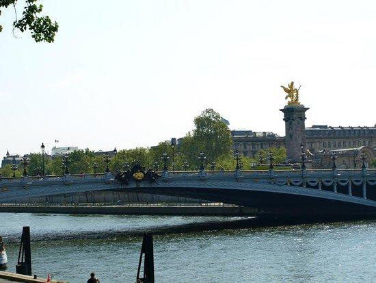 Pont Alexandre-III : Imagen del Puente en honor del zar de Rusia Alejandro III