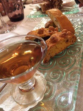 Le Vecchie Mura: Vin Santo mit Cantuccini