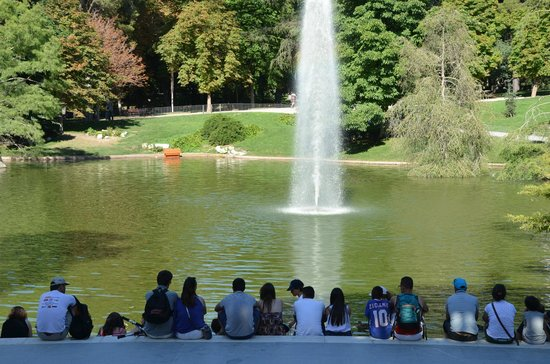 Parque del Retiro: εξω απο το Palazio Cristal