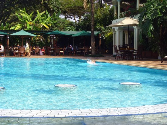 Nairobi Serena Hotel: Pool