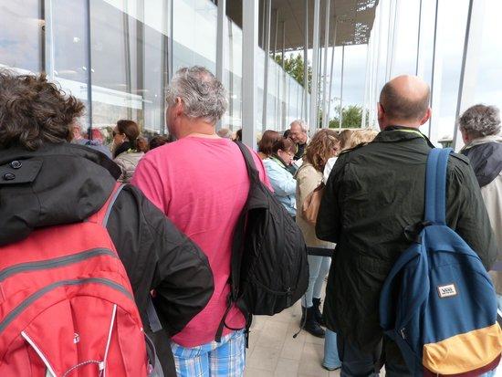 Stonehenge: queue for transport