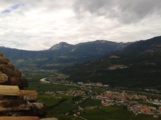 Castel Beseno: vista dalle mura