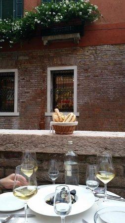 Enoteca Ai Artisti: Bread & Wine