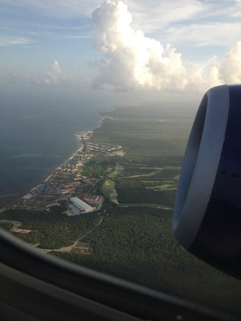Moon Palace Cancun : Moon Palace Resort & Golf Course from the air