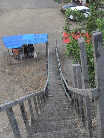 Volcan de Lodo El Totumo (Mud Volcano) : Treacherous stairs >.<