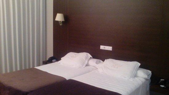 Hotel Mendez Nunez: La habitación