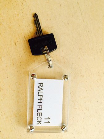 Hotel Galerie: Room Key with artist name