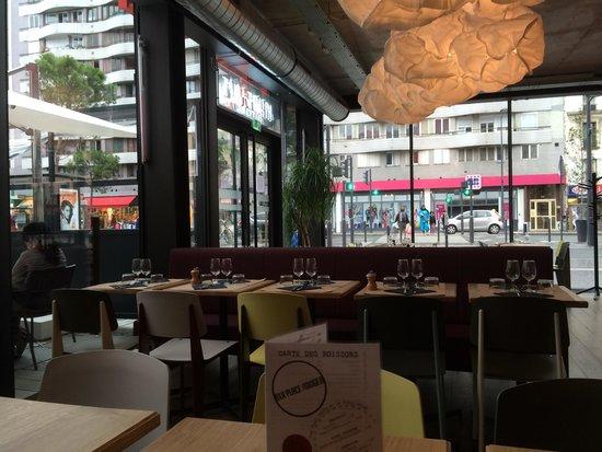 La Place Rouge : Intérieur du restaurant
