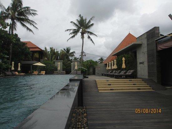 Chongfah Beach Resort: AUSSICHT VOM sPEISESAAL