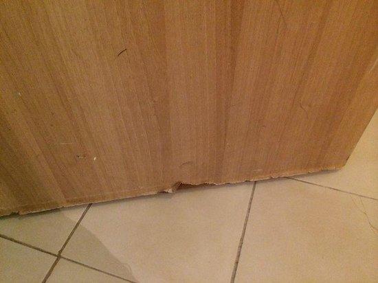 Thalassa Mahdia : Bottom of entrance door