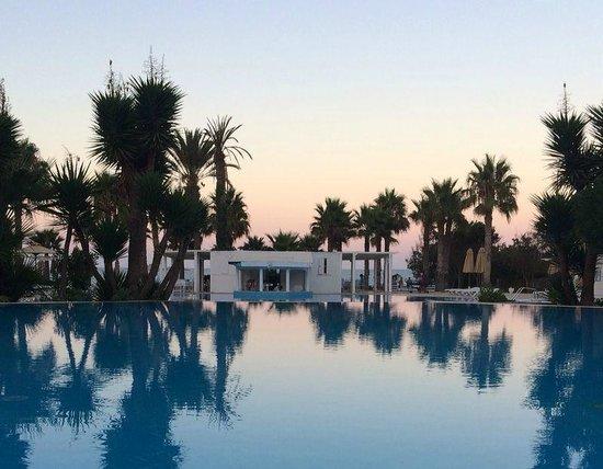 Thalassa Mahdia : Pool view at sunset