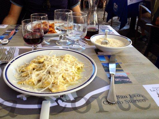 Osteria La Corte di Berengario II: Ravioli al formaggio di Fossa e al ragù