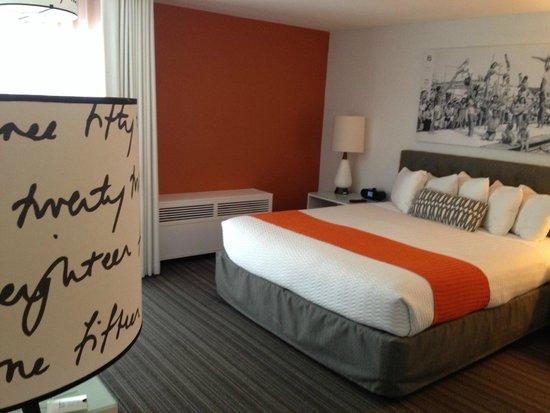 Inn at Venice Beach: Entering room