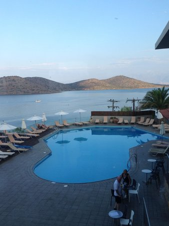 SENTIDO Elounda Blu: Pool area