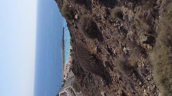 Hotel Altamadores : View to Amadores beach.