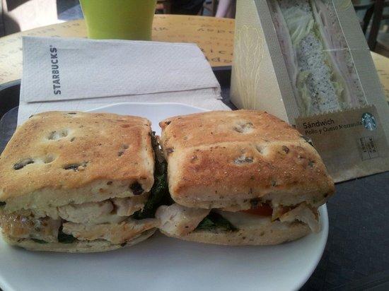 مركز برينسيبي بيو التجاري: My lunch at Starbcks!  Foccacia sandwich YUMM YUMM!!