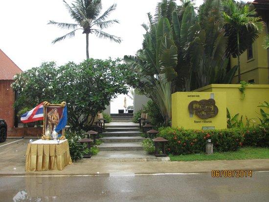 Chongfah Beach Resort: eINGANGSBEREICH