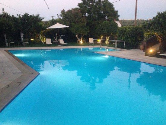 Spilia Village Hotel: Piscina
